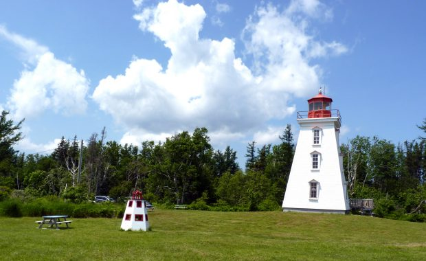 Cape Bear LIghthouse/Marconi Museum / Phare de Cape Bear/Musée Marconi